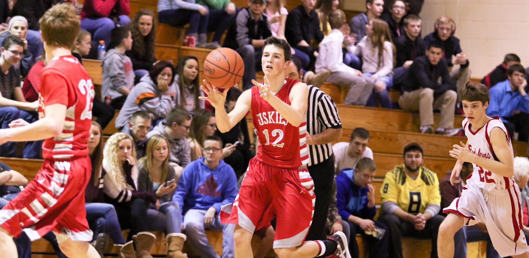 Huskies Run the Court
