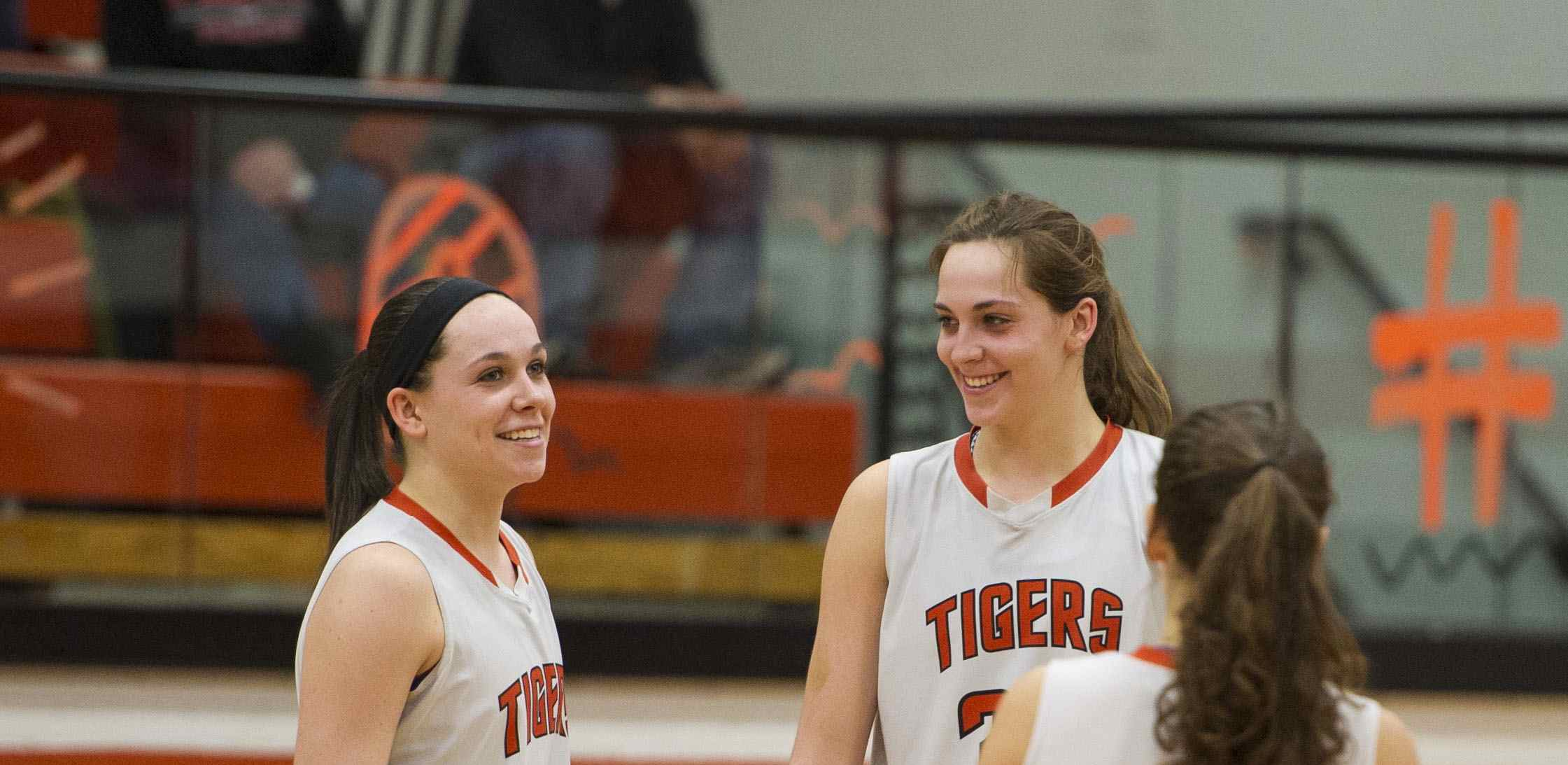 Thomes, Tigers Finish Undefeated