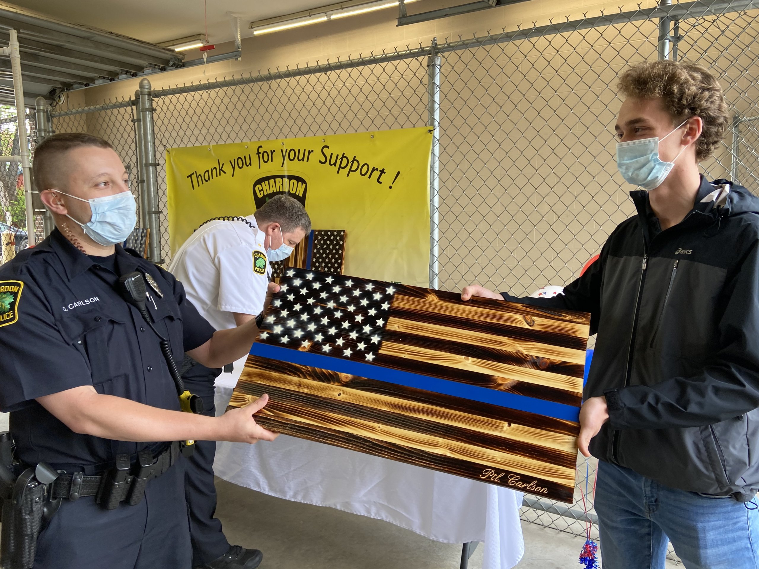 Chs Senior Honors Police With Wooden U S Flags Geauga County Maple Leaf